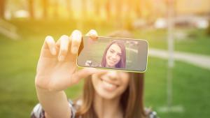 Zatímco první videoblogy byly natáčeny většinou na mobilní telefon avýstupem bylo video vne zrovna dechberoucí kvalitě, dnes je většinou isebemenší vlog natáčen na profesionální techniku.